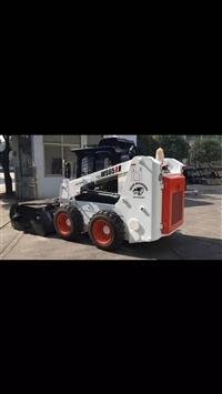 鲁宇铲车清扫 装载机清扫 滑移清扫机 无尘加水箱清扫喷水
