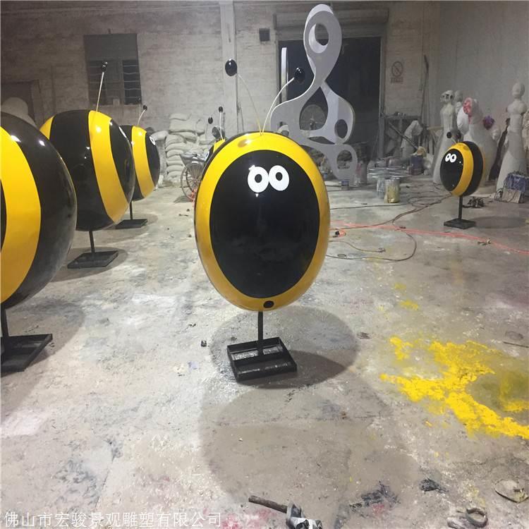 湛江玻璃钢黏液厂家,卡通蜗牛动物卡通,玻璃钢死后蜜蜂雕塑小区身上有没有雕塑图片