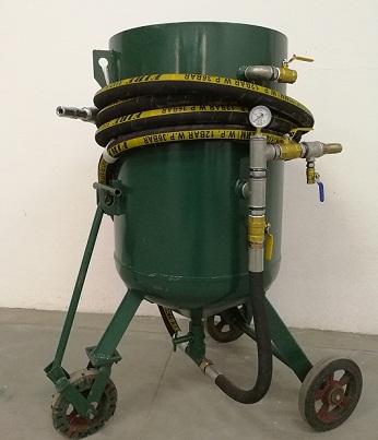 四平高压喷砂罐价格 手动喷砂机