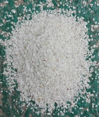 黑龙江除锈石英砂品牌 工艺精良 性能优异