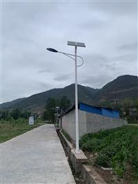 成都太阳能路灯联系方式 6米30WA字臂灯杆