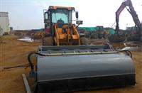 30装载机清扫器 50铲车扫地机 修路摊铺清扫器 小型装载机封闭式