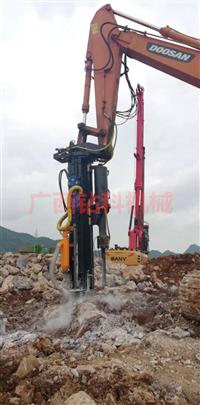 硬石头破碎致裂机械 ZUANK钻劈一体机,20吨挖机加装,智能遥控