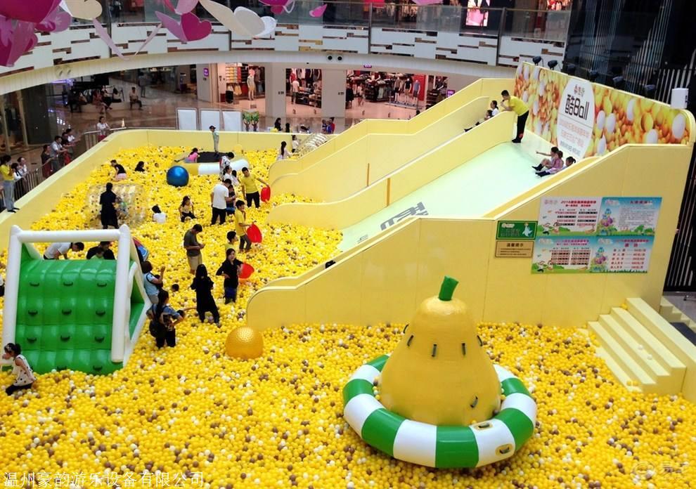 吉林大型中庭商场淘气堡,百万球池生产厂家