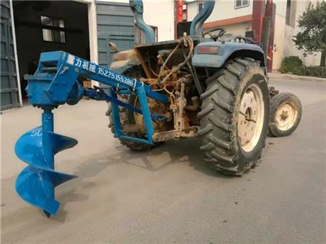 拖拉机挖坑机栽杆植树能手