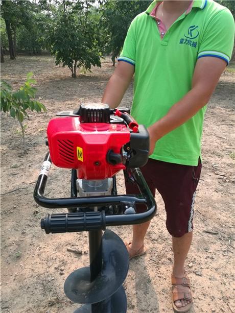 大型栽树挖坑机械动态性能