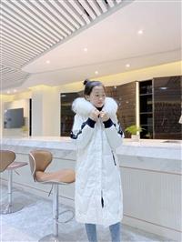 賺錢女裝品牌推薦 19冬歐姿麗雅大毛領羽絨服 怎么找女裝尾貨貨源
