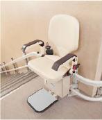 智能座椅式升降机帮您解决上下楼