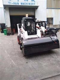 云南滑移装载机 滑移清扫车 多功能滑移装载机厂家 装载机清扫器