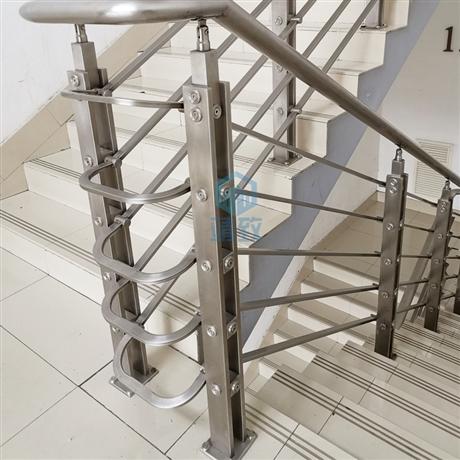 戴南批发不锈钢立柱的工厂 非标定制