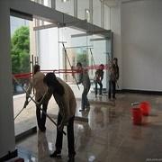 鼓楼区湖南路周边 开荒保洁 日常打扫 擦玻璃地毯清洗