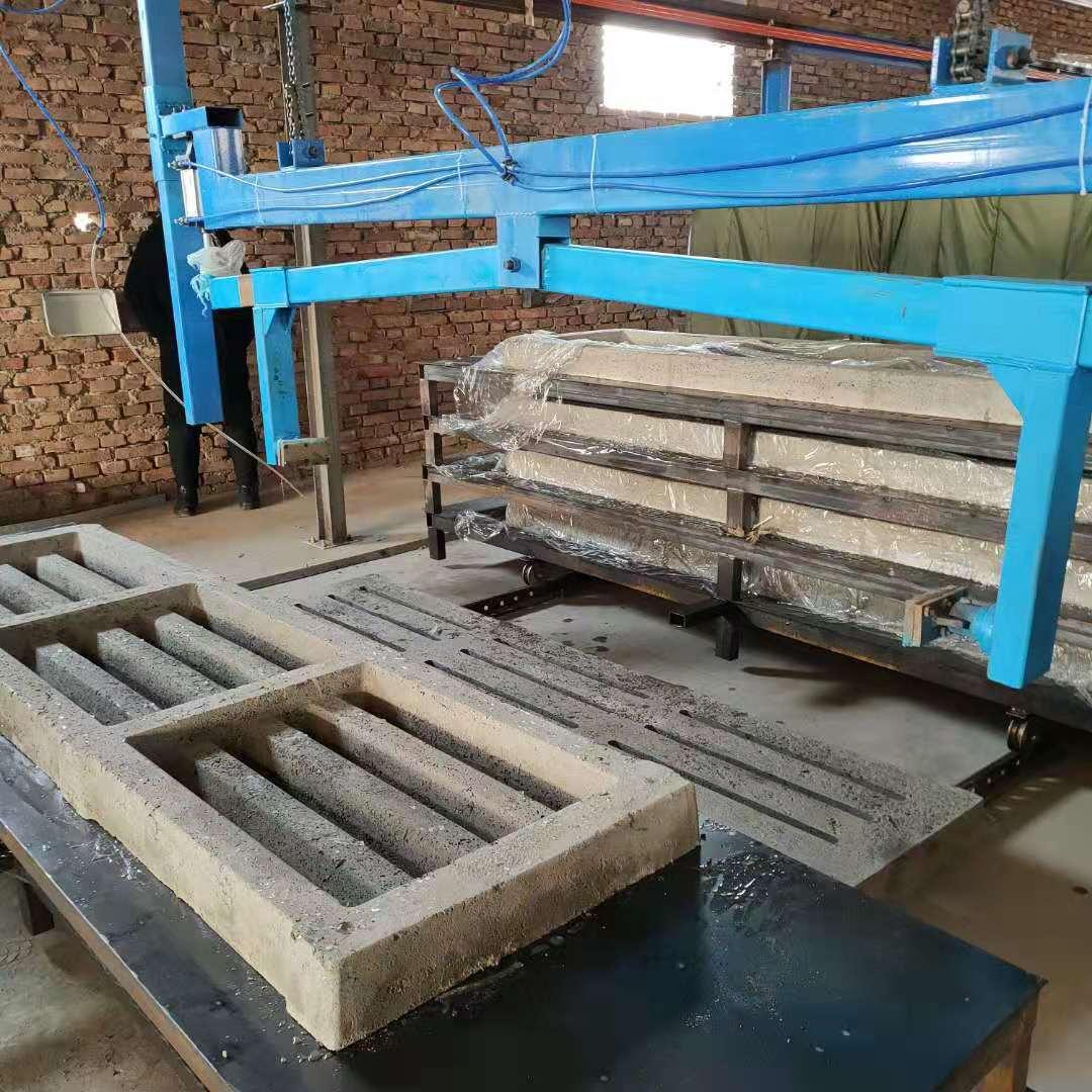 养猪场水泥漏粪板设备湖南大型养猪场机制漏粪板设备厂家直销