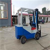 牛犇机械纯电动叉车运输货物