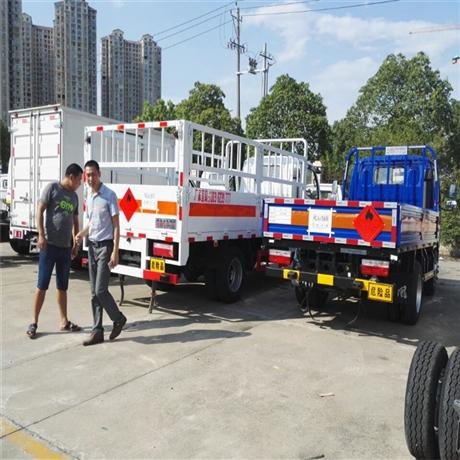 福州液化气专用运输车,东风多利卡4.2米气瓶运输车