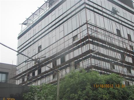 深圳玻璃更换安装及维修电话