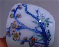 斗彩花卉紋杯近期的收購價格