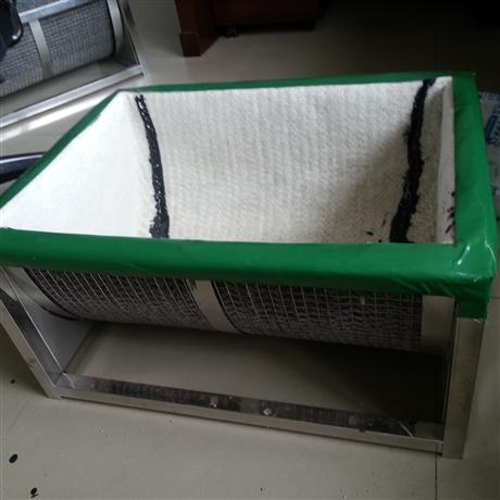 天然钠基膨润土防水毯