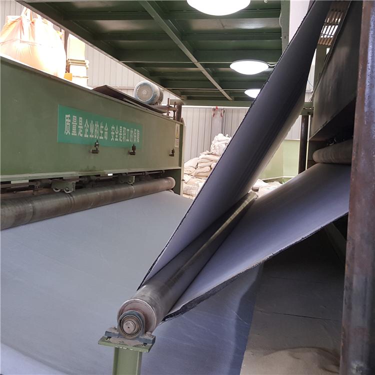 双面针刺型膨润土防水毯,天然钠基膨润土防水毯厂家