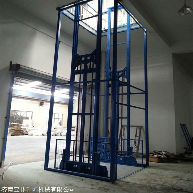 烟台厂房运货升降台 5层液压货梯价格 亚林品牌3吨轨道液压货梯