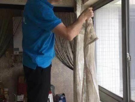 高新区窗帘清洗方法    窗帘地毯清洗可预约上门