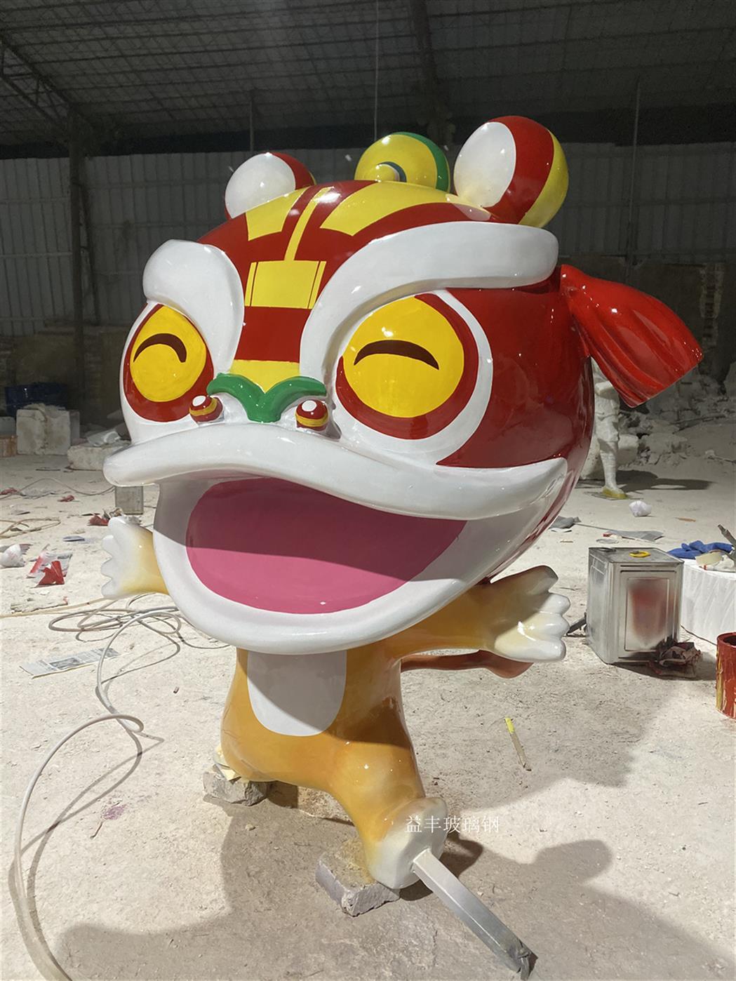 廣州玻璃鋼卡通獅子雕塑廠家 玻璃鋼主題雕塑 歡迎點擊了解咨詢