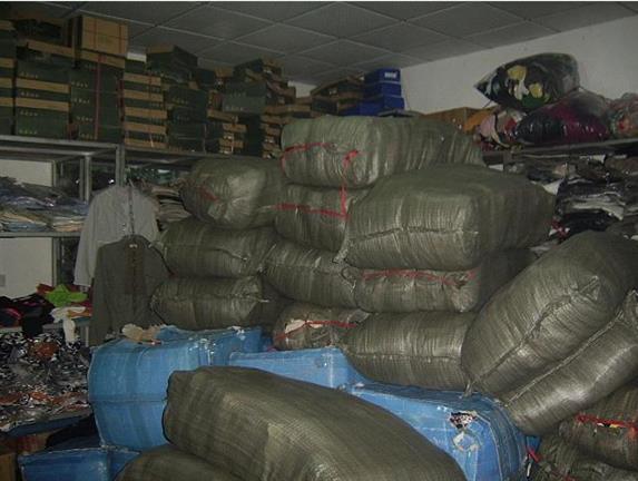 废旧上海服装回收转让 回收服装 联系我们获取更多资料