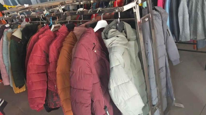 废旧上海童装回收厂家 童装尾货回收 点击了解价格