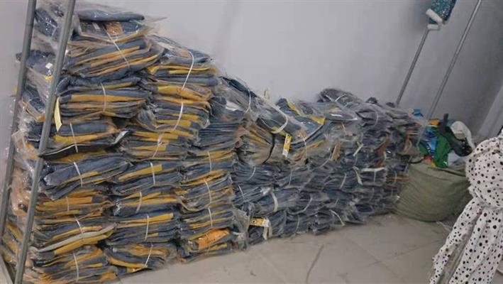 废旧上海库存服装回收当面结算,回收库存服装