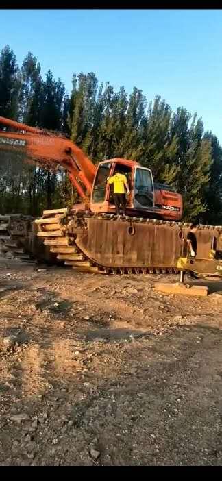 清淤挖掘机械设备租赁 水上挖掘机 品牌齐全 质优价廉