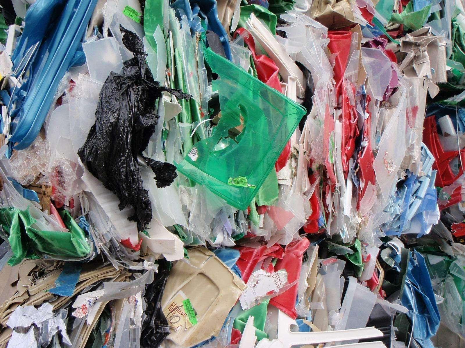 深圳市光明新区塑料废品回收多少钱一斤,回收PVC