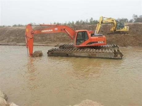 沼泽地挖掘机出租 五家渠水上挖机出租推荐