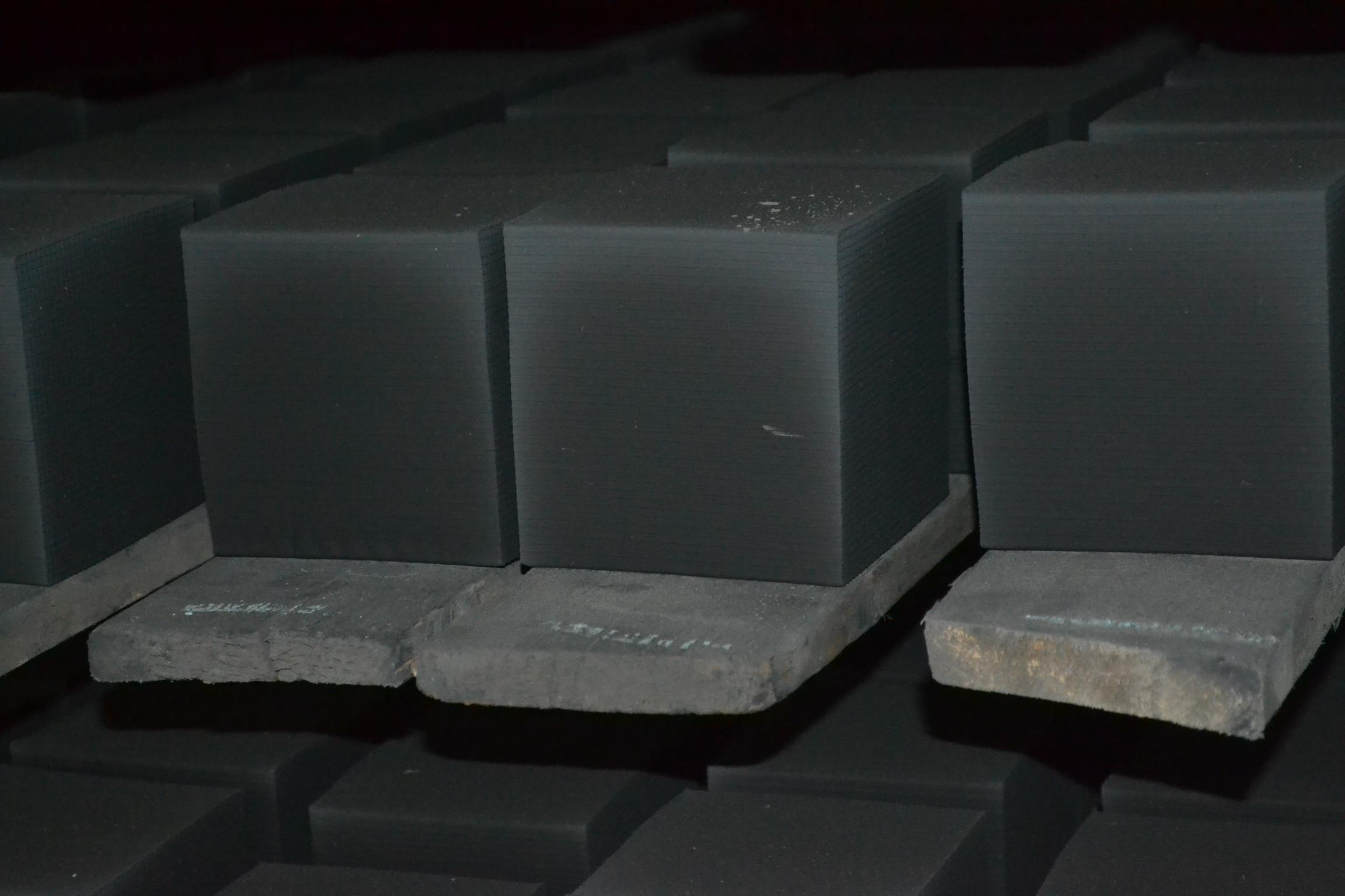 重慶蜂窩活性炭施工