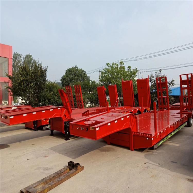 低平板栏板半挂车 采棉机运输高低式高低板半挂车 保证质量