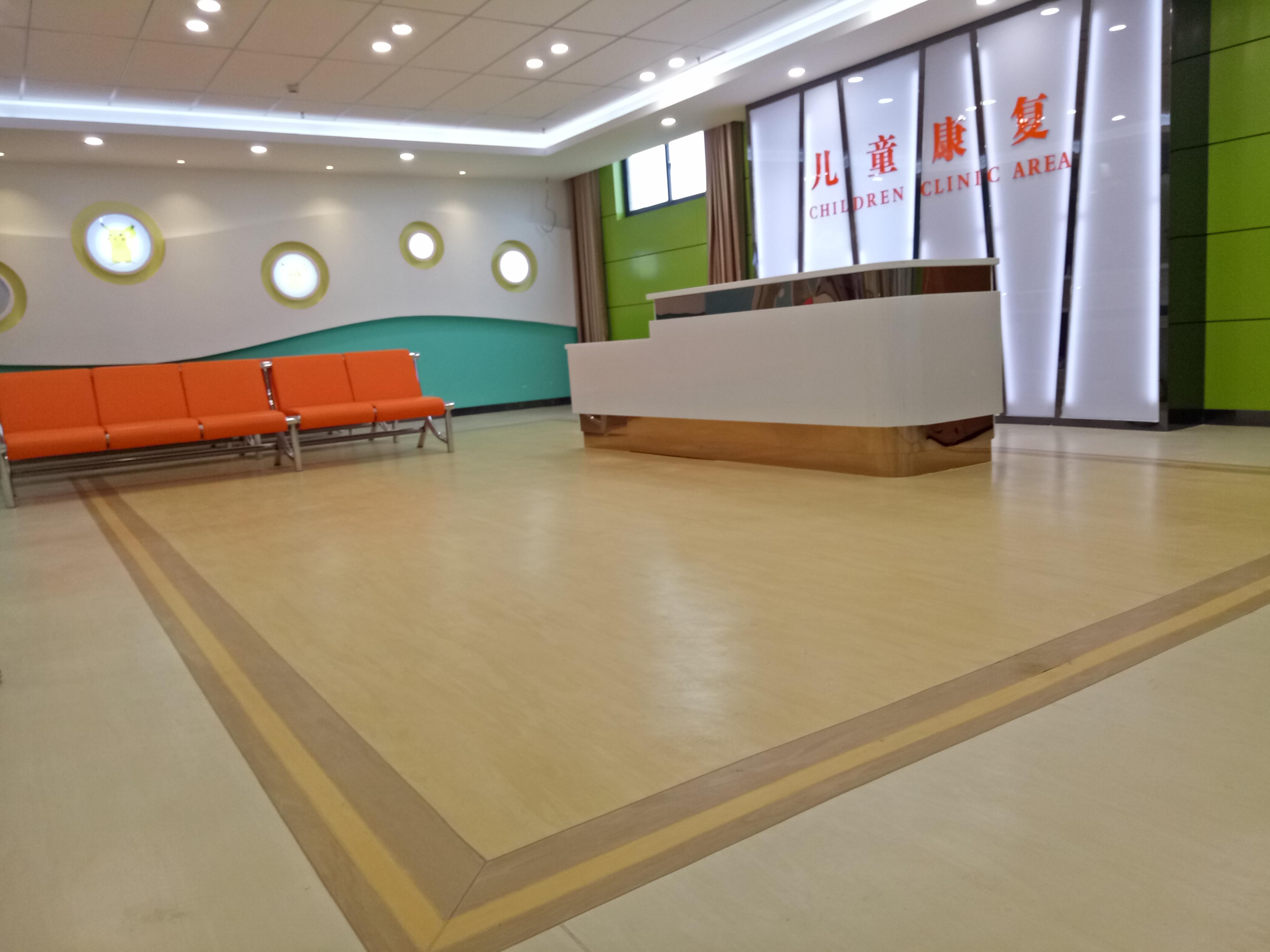 PVC塑胶地板 塑胶地板安装 值得信赖