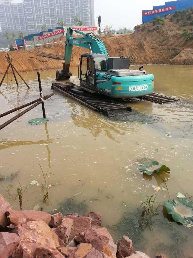 水陆挖机租 水陆挖机 本地水陆挖掘机出租费用