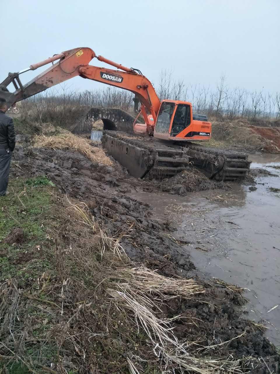 水陆挖机租 湿地挖掘机租赁公司