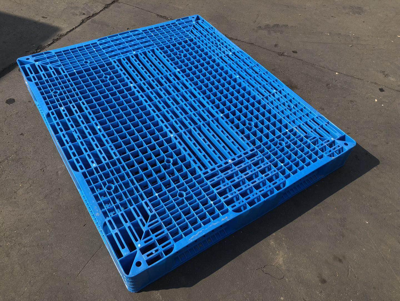 叉车塑料托盘 济宁塑料托盘厂家供货